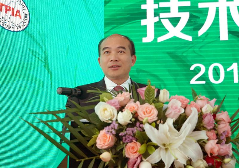 三棵树涂料股份有限公司总裁兼董事长洪杰先生